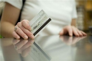 Some US credit cards move to 'chip and PIN' by next year